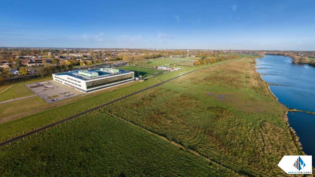 Drone foto Merletcollege Cuijk